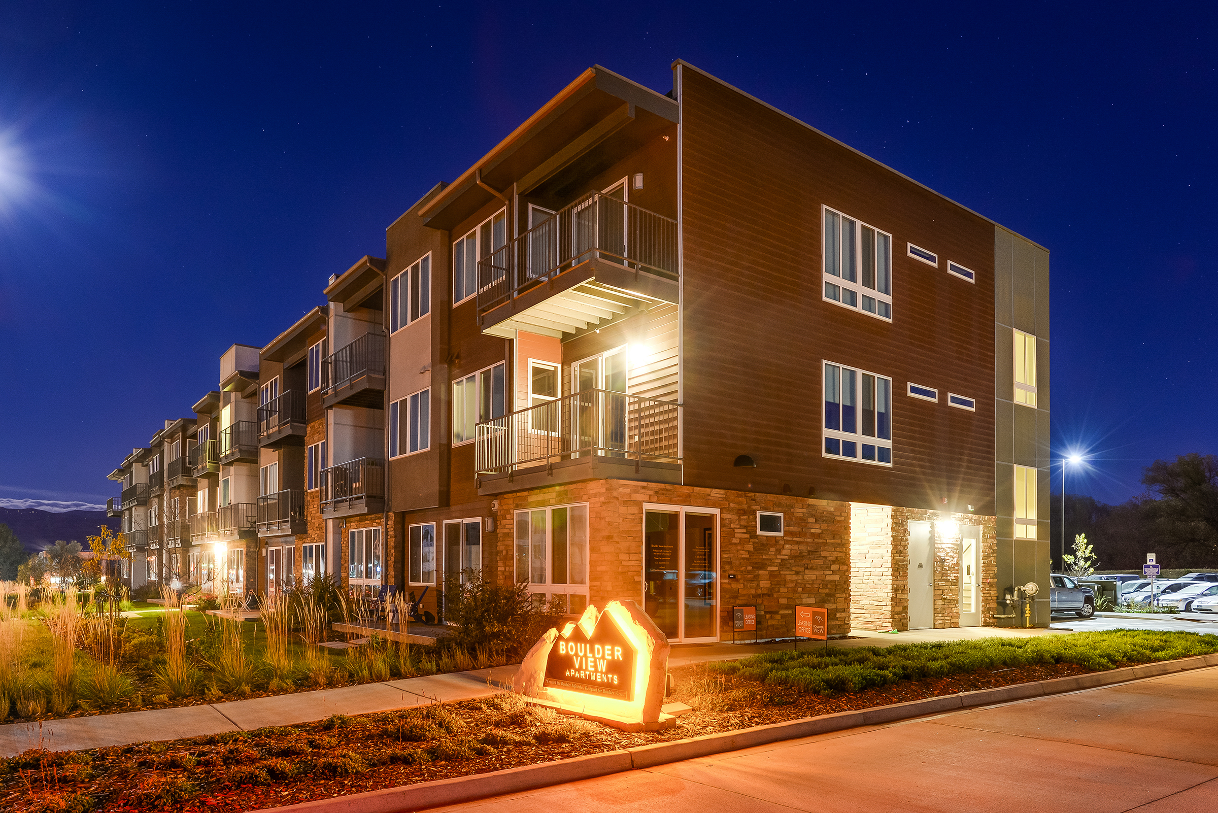 Boulder View Apartments Trades for $22M