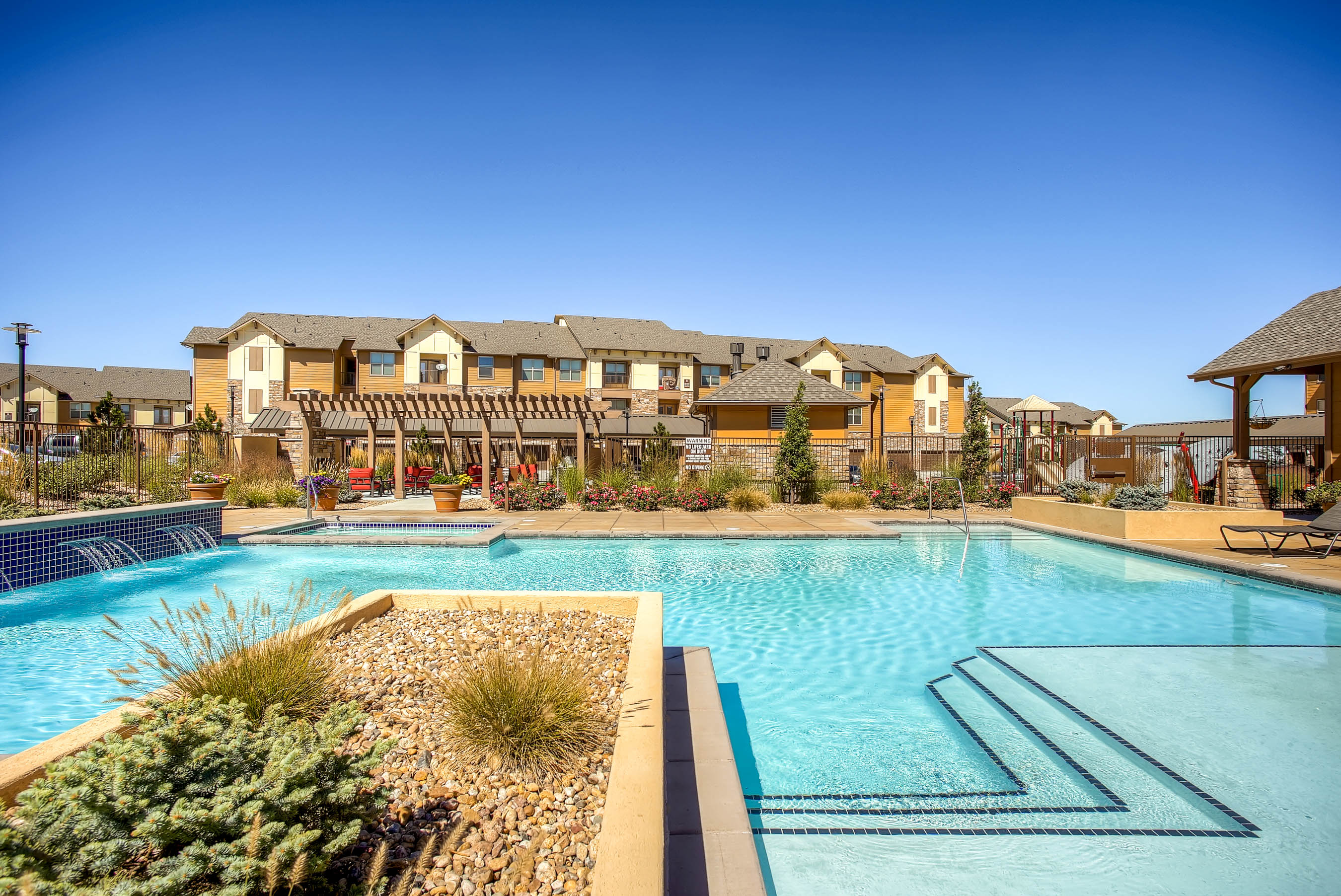 CBRE Completes $41.8M Sale of Highpointe Park Apartments in Thornton