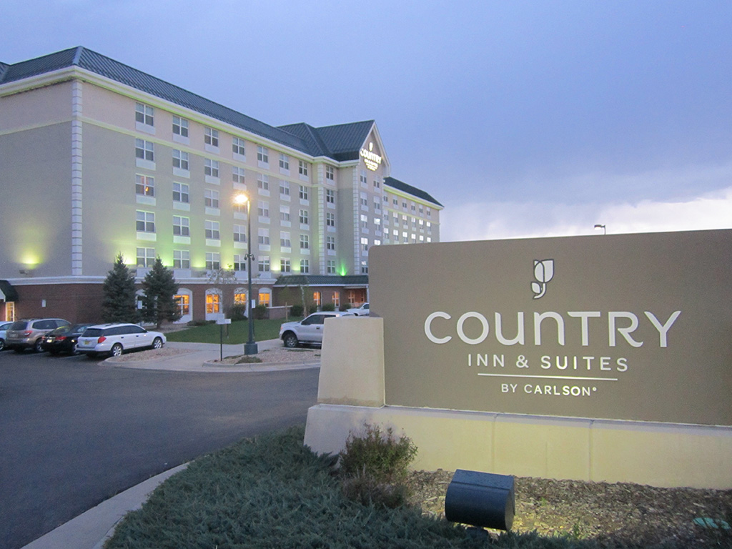 Stonebridge Companies Converts Country Inn  U0026 Suites To