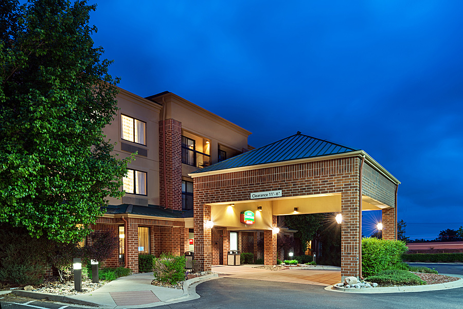 CBRE Hotels_Courtyard_lakewood