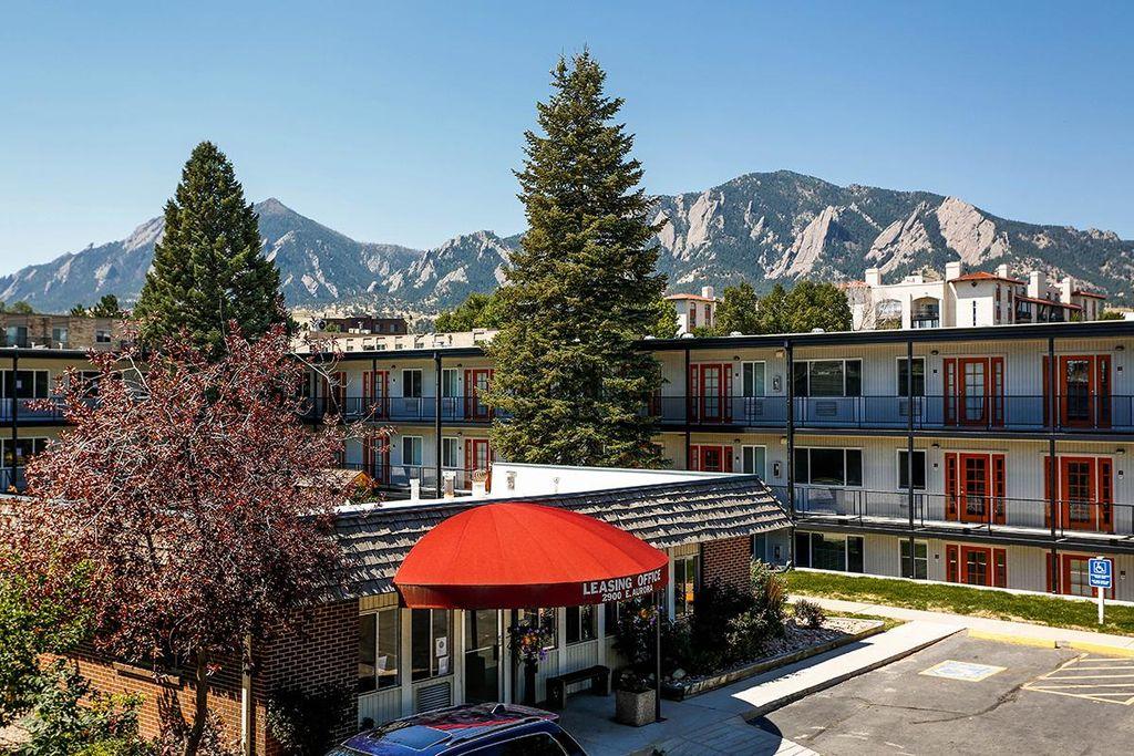 STUDIO Architecture_The Lodge Front_Boulder CO