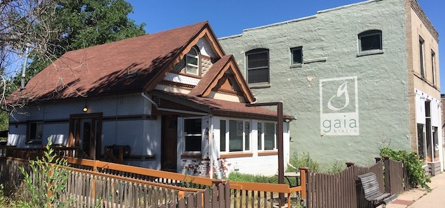 Building on Old South Pearl Street Avoids Demolition