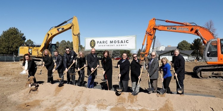 Aimco leaders, Boulder community members, and project partners break ground for Parc Mosaic, a new 226-apartment home community in Boulder, CO. (PRNewsfoto/Aimco)
